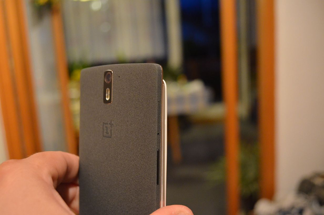 "OnePlus One bekommt Android 4.4.4-Update und ""Clear Image"""