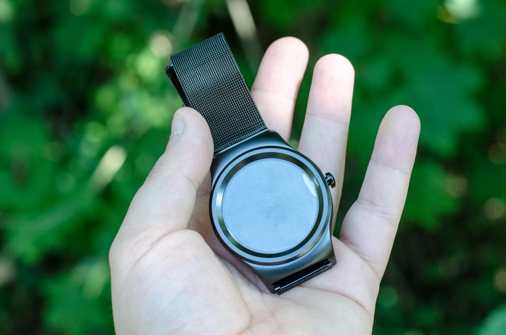 SOA SMA-R Dual: Die 50 Euro Smartwatch im Test